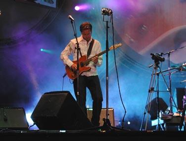 Frank Kvinge på scenen